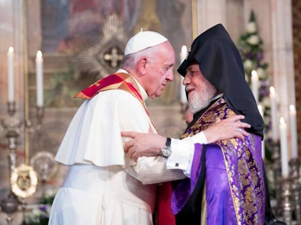 Papa e Karekin, aiutare i rifugiati