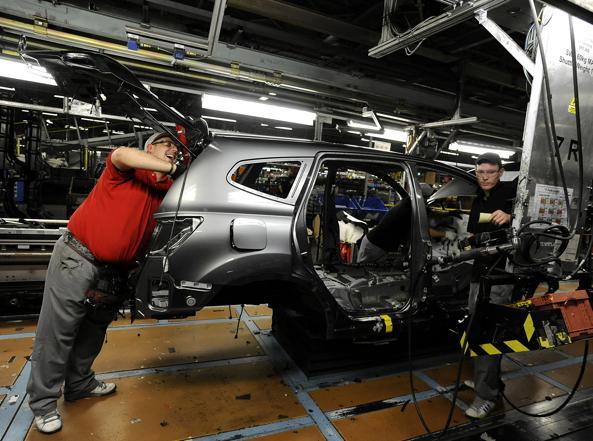 Nello stabilimento della Nissan (Reuters)