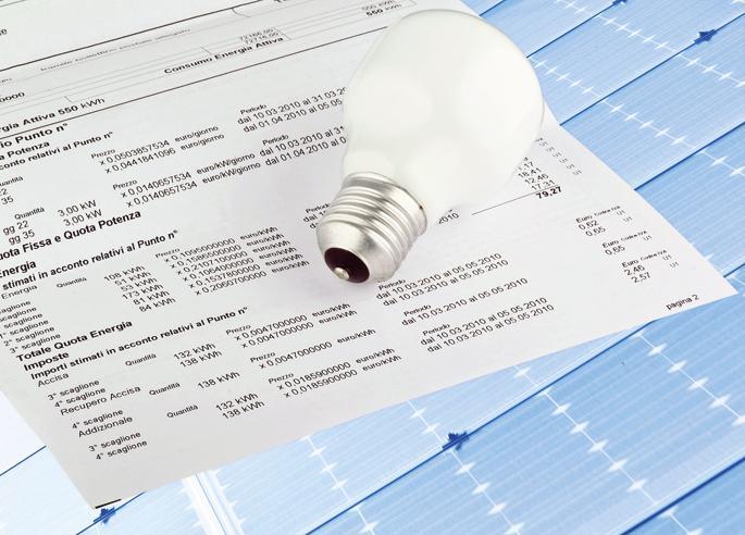Caro bollette a luglio: rincari del 4,3% per l'elettricità e dell'1,9% per il gas