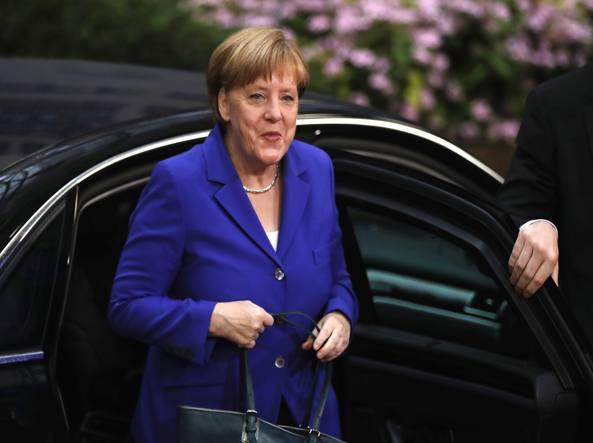 Merkel gela l'Italia: le regole sulle banche non si cambiano