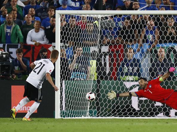 Germania-Italia, finisce 7-6 ai rigori: in semifinale volano i tedeschi