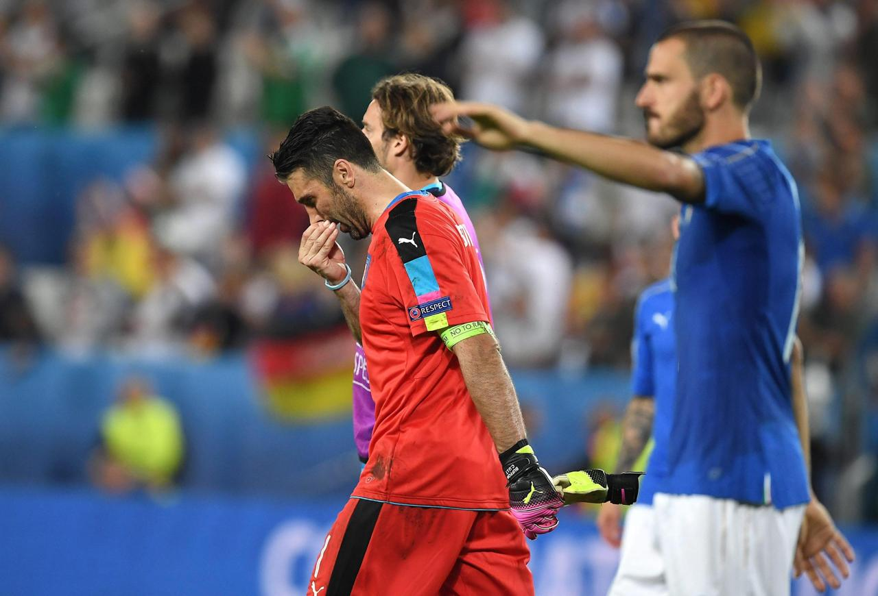 Картинки по запросу italia calcio lacrime buffon
