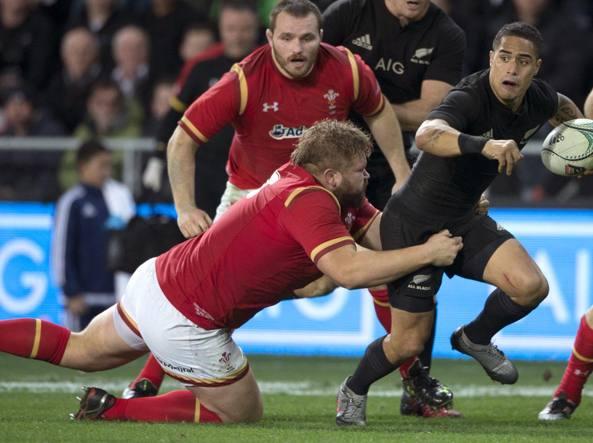 Galles e All Blacks in una sfida a rugby (Afp/Bradley)