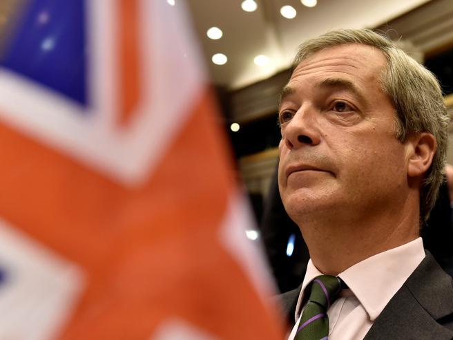 Farage lascia la guida di Ukip «Brexit era il mio obiettivo»10 cose su Nigel|La fotostoria