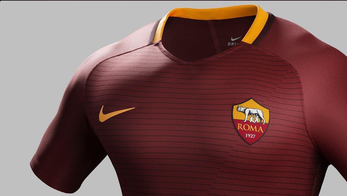 360e5cdc63 Serie A 2016/17 la maglia della Roma s'ispira al Colosseo. L
