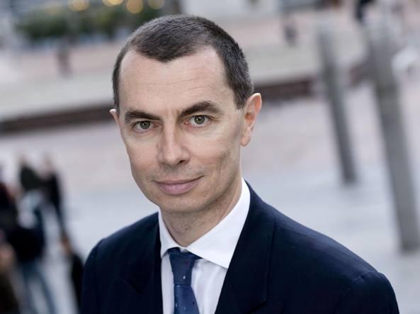 Borsa Milano in rialzo, banche toniche, Mps corre, Rcs vola