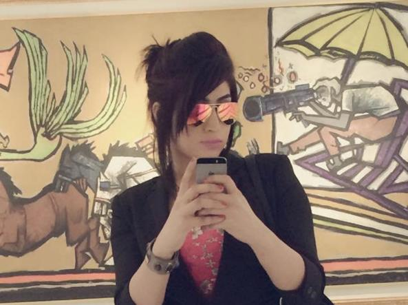 Qandeel Baloch strangolata dal fratello per i selfie sui social network