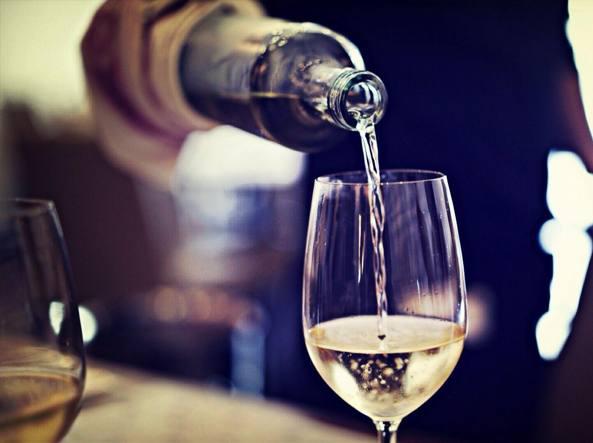 Alcol, lo studio: è la causa diretta di sette forme di cancro