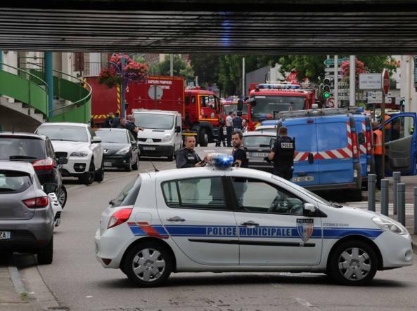 L'attacco a una chiesa vicino a Rouen in Francia