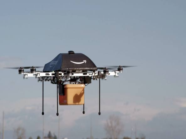 Amazon Prime Air, nel Regno Unito testati i droni per la consegna