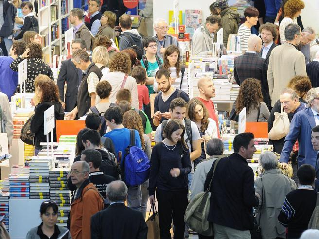 Salone del Libro, gli editori scelgono Milano. Torino: «Andiamo avanti»