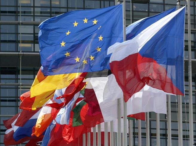 Deficit, la Commissione europea: nessuna multa a Spagna e Portogallo