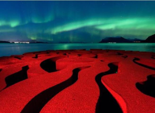 Pioggia di stelle, meteoriti e luci del NordLe foto di Astronomy Photographer of the Year