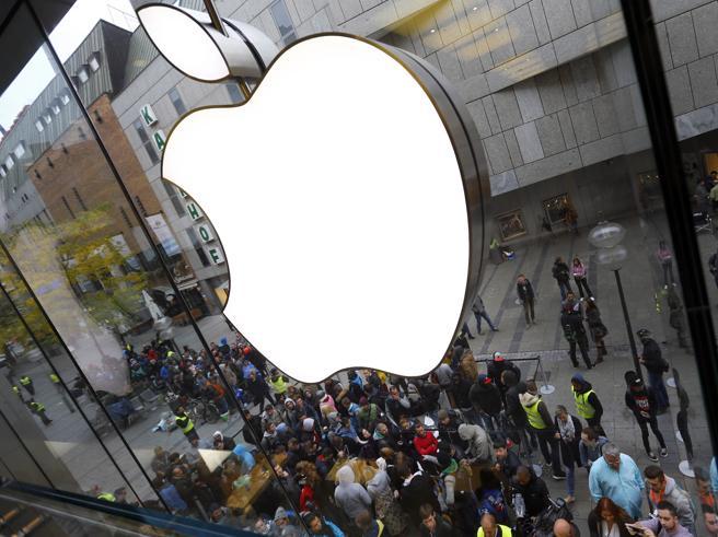 Apple, vendite in calo: si punta sulla realtà virtuale E su Pokémon Go