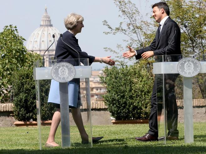 Italiani a Londra, May rassicura:«I diritti non saranno toccati»