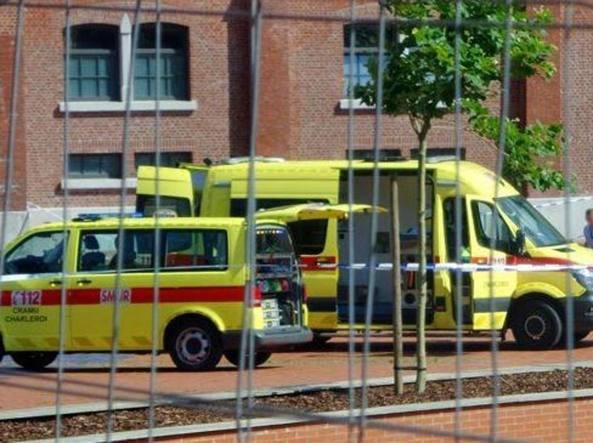 Belgio, Charleroi: aggredisce due poliziotte con il machete, urlava