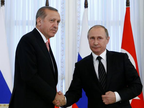 Il presidente turco Recep Tayyip Erdoğan incontra Vladimir Putin
