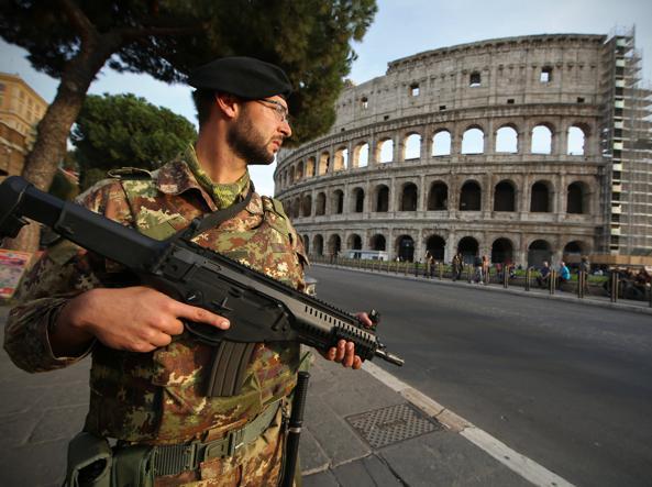 Divieti e risse sul «bikini islamico» Valls: contrario ai valori della Francia 13.0.993494384-khKE-U43210874924024Ty-593x443@Corriere-Web-Sezioni