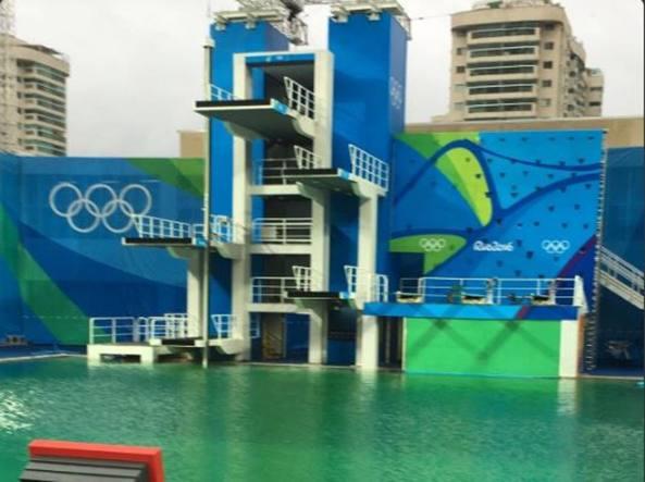 Olimpiadi di rio 2016 il mistero della piscina dei tuffi con l acqua verde tania cagnotto ma - Piscina olimpiadi ...