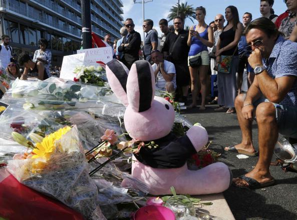Nizza, eroe dell'attentato in prigione per violenze sulla ex compagna