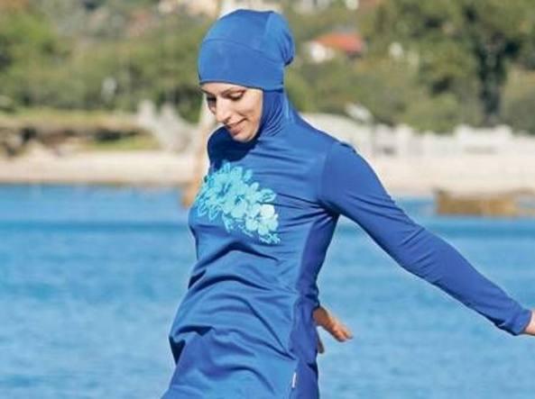 Cannes vieta burkini, 'rischio per ordine pubblico'