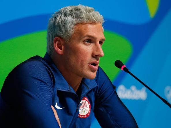 Nuotatore rapinato a Rio, Lochte: Mi hanno puntato pistola a testa