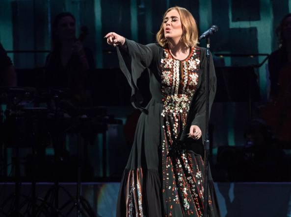 Adele rifiuta il Super Bowl: 'Non è uno show incentrato sulla musica'
