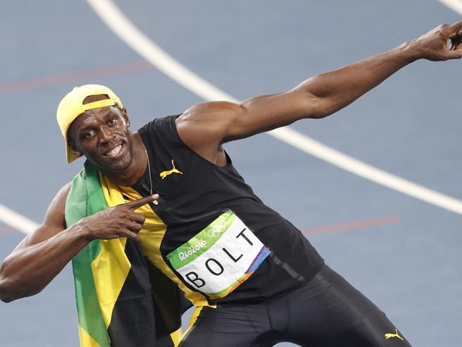 Usain Bolt, è il  terzo oro, ma  la corsa     degli Dei  è finita:  ora anche lui  è umano  Foto