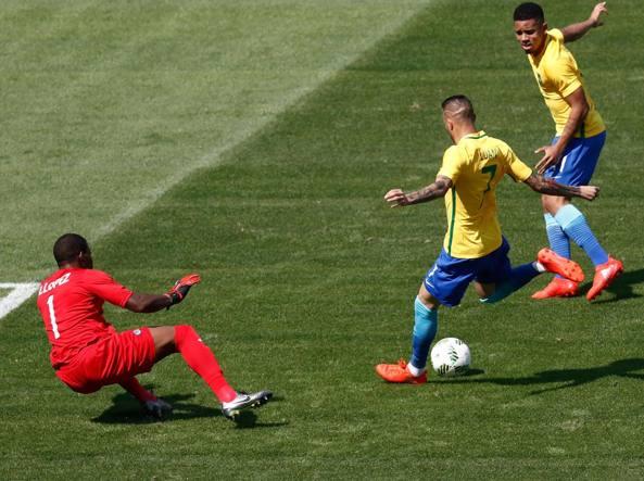 Neymar segna il gol dell'1-0 (Afp/Andersen)