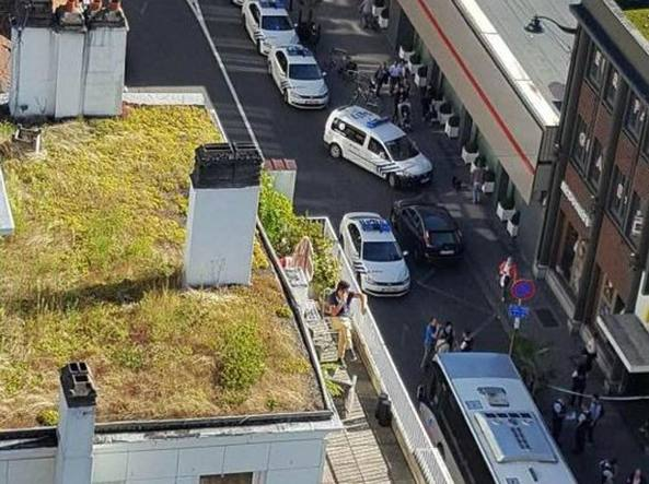Paura a Bruxelles, donna ferisce tre persone con un machete fermata