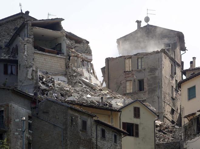 Terremoto, i volti del dramma tra le case di bambola