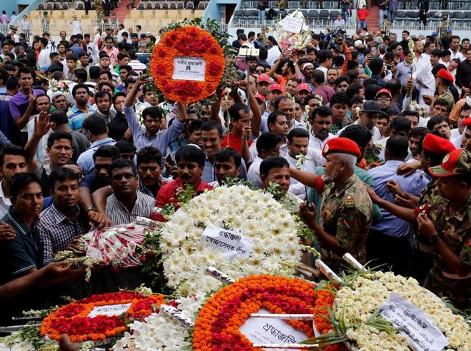 Bangladesh, uccisa la mentedella strage di Dacca