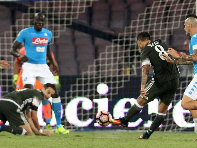 Serie A, Napoli-Milan 4-2: pagelle rossonere Suso magnifico, bocciatura Abate