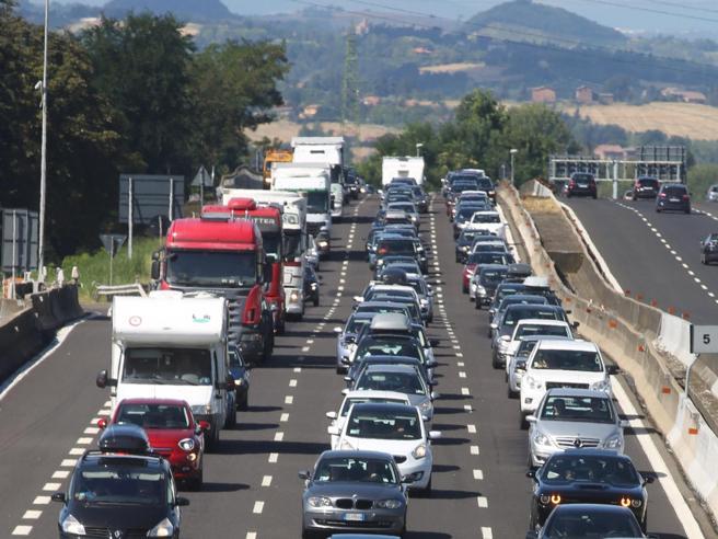 Controesodo: 7 morti sulle strade, lunghe   code al Brennero