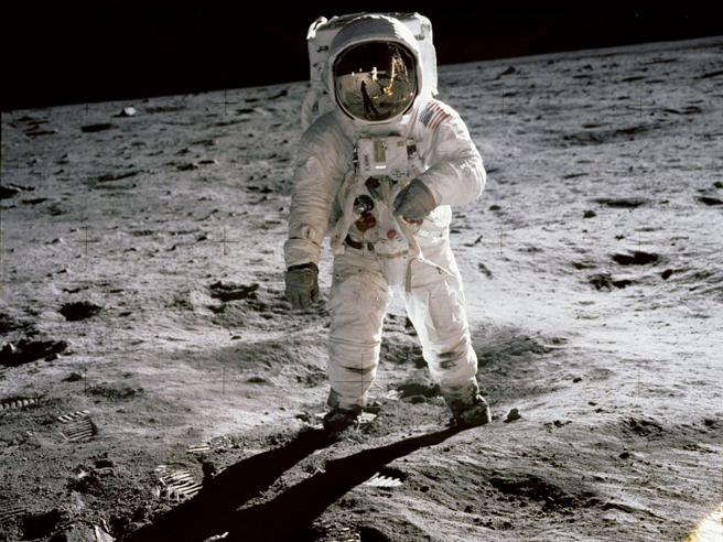 Russia: «Nel 2020 manderemo i primi  turisti verso la Luna»