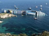 Concordia, «Schettino lasciò la navecon tanti passeggeri ancora a bordo»