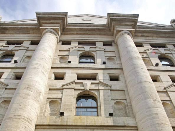 Borsa Milano chiude in rialzo con banche e assicurazioni (+1,4%)