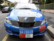 Il giro del mondo sull'auto elettrica Milano diventa esempio per la Cina