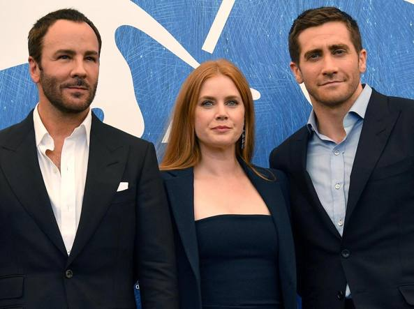 Venezia 73: baci e selfie sul red carpet di Nocturnal Animals