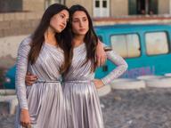 Mostra del Cinema di Venezia 2016Successo di Daisy e Viola, le cantanti siamesi, alle Giornate degli autori