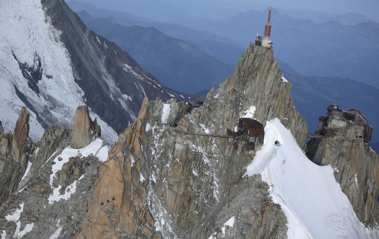 Elicottero Monte Bianco : Funivia monte bianco le foto del salvataggio corriere