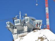 Paura ad alta quota, si guasta funivia: 65 persone bloccate su Monte Bianco Buio e nuvole fermano soccorsi |foto