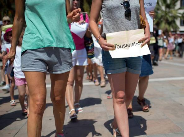 Tolone: due donne in shorts aggredite da un gruppo di integralisti