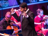 Un anglo-indiano alla ToscaniniL'orchestra scommette su Alpesh