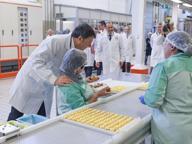 Renzi ad Alba: «A chi critica l'Italia raccontate la storia della Ferrero»