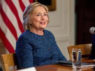 «Hillary Clinton è in salute e può fare il presidente». L'attacco di Trump: «Non so se può stare in piedi un'ora