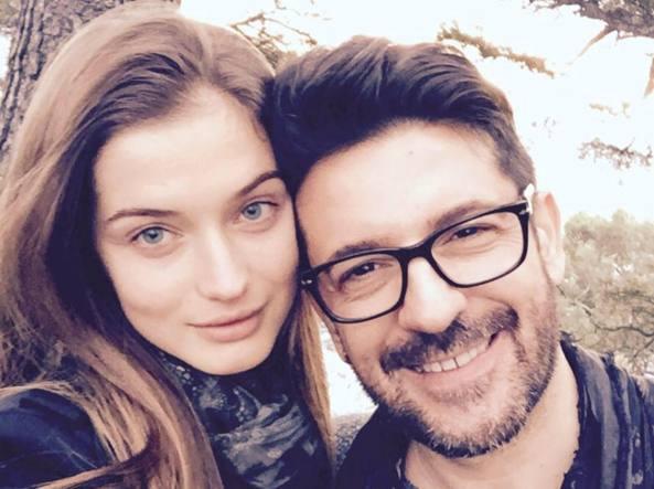 Ritrova sul web la moglie sparita. L'ex miss tradita da Instagram