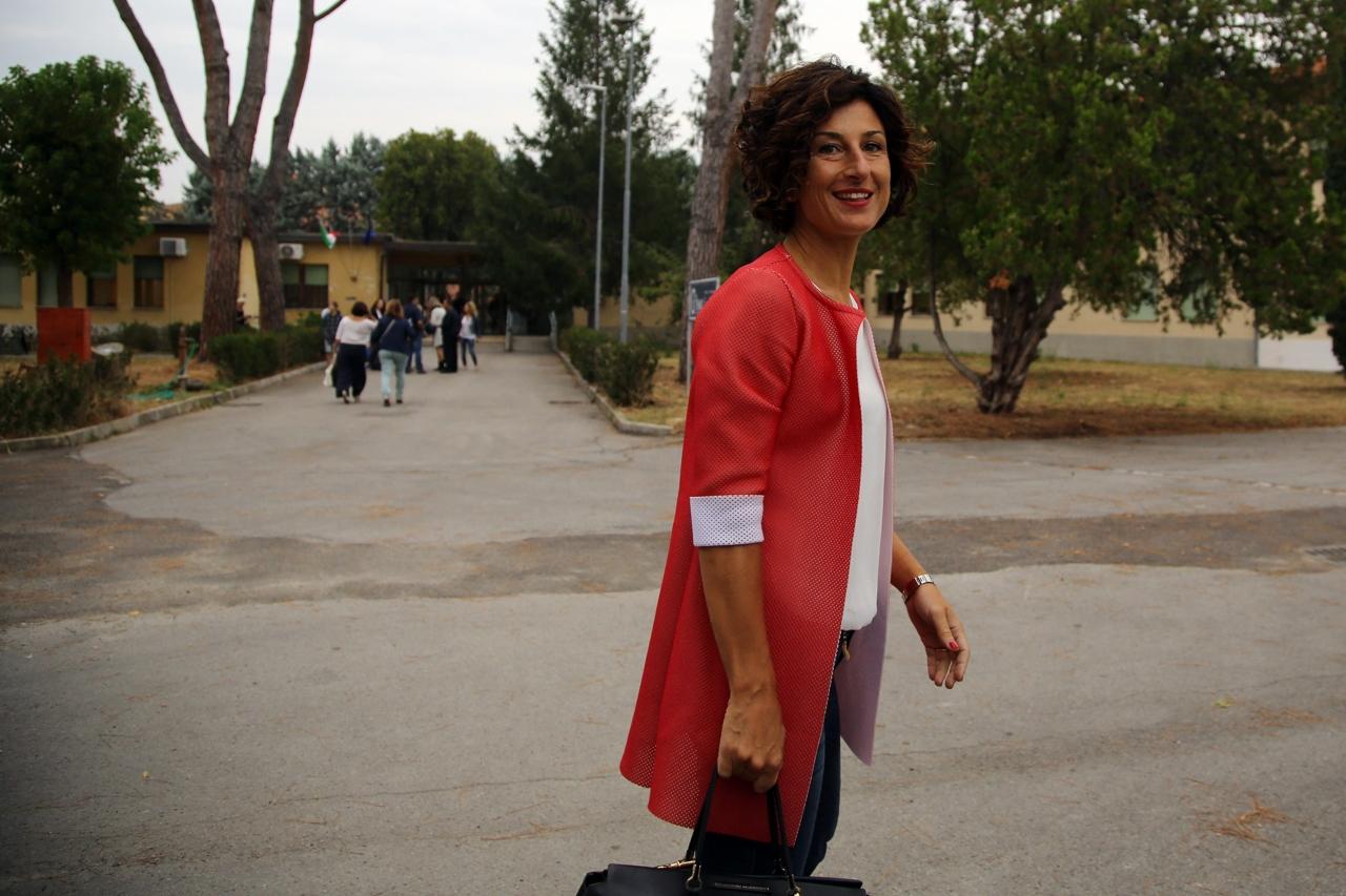 Agnese renzi al primo giorno a scuola da neoassunta for Landini cucine ginevra