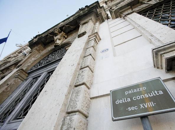 Consulta rinvia decisione su Italicum a dopo referendum