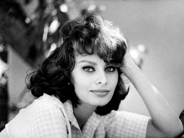 Sophia Loren, 82 anni di eleganza e fascino